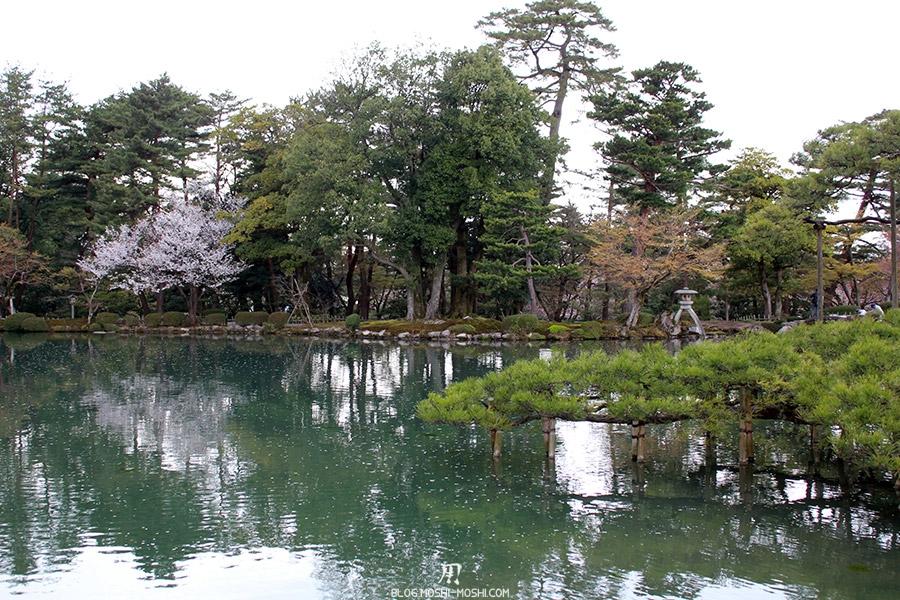 journee-kanazawa-jardin-kenrokuen-etang