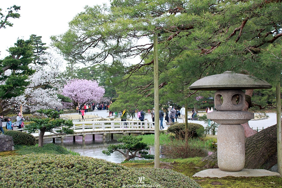 journee-kanazawa-jardin-kenrokuen-lanterne-pierre