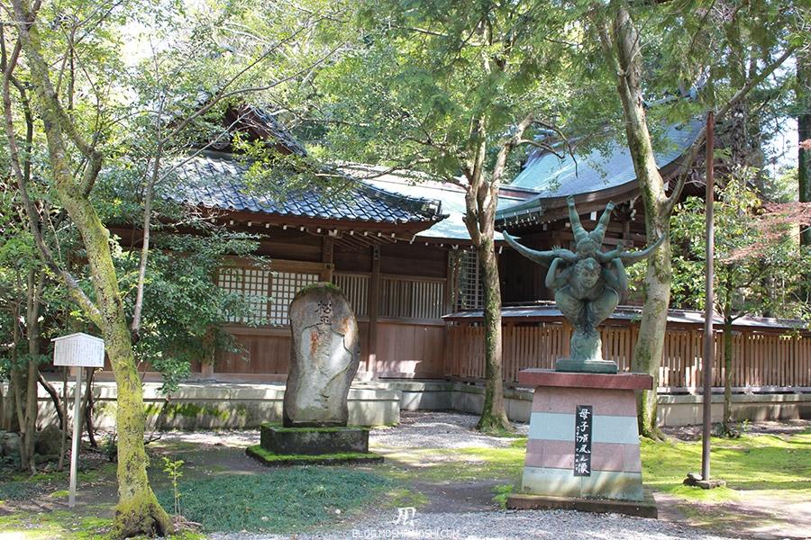 journee-kanazawa-oyama-jinja-art-sculptures