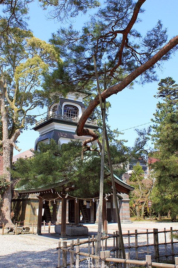 journee-kanazawa-oyama-jinja-entre-les-arbres
