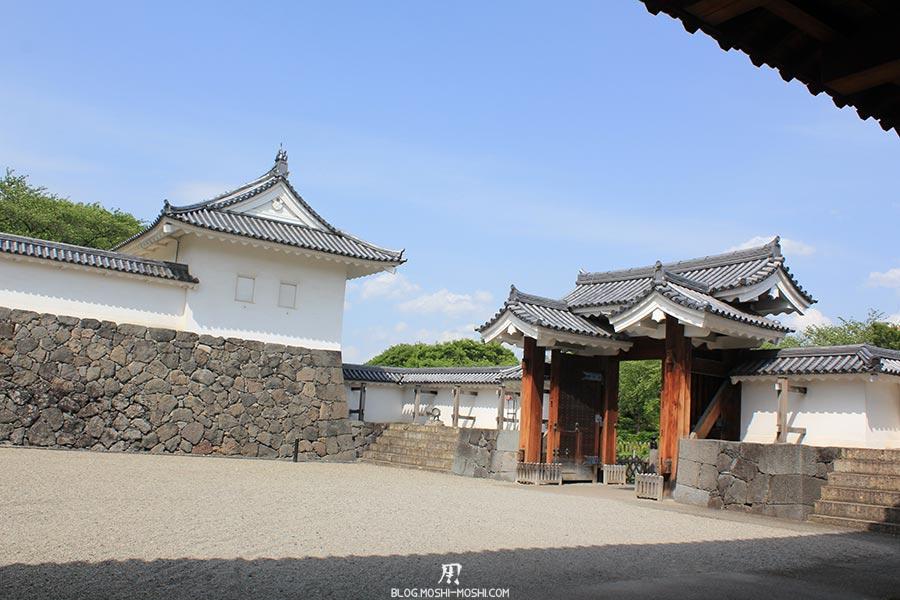 chateau-yamagata-parc-kajo-donjon-cours-restaure
