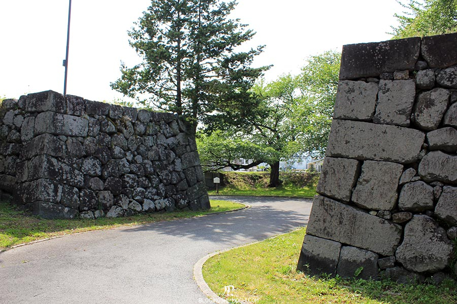 chateau-yamagata-parc-kajo-murailles