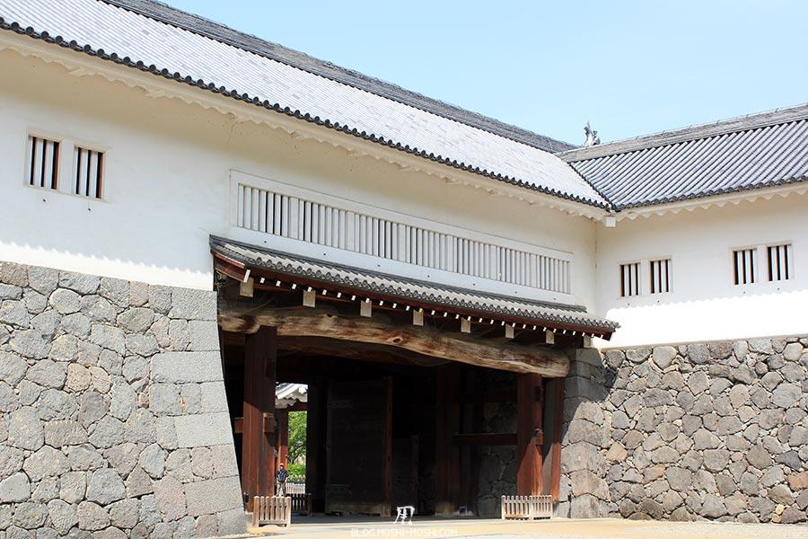 chateau-yamagata-parc-kajo-porte-ichimon-restauree