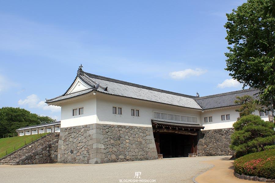 chateau-yamagata-parc-kajo-porte-restauree