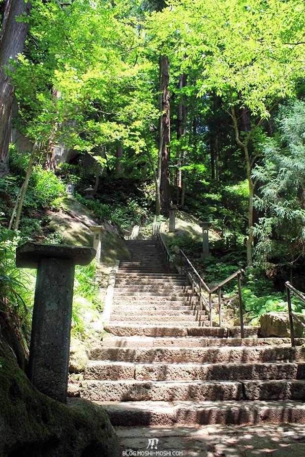 sendai-yamagata-temple-yamadera-risshaku-ji-belle-montee
