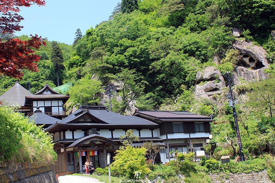 sendai-yamagata-temple-yamadera-risshaku-ji-boutiques