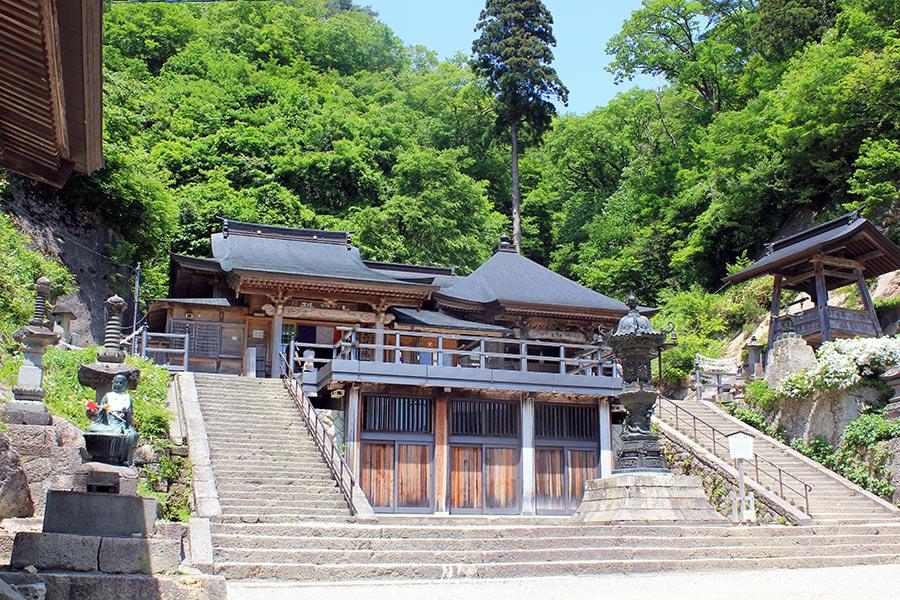 sendai-yamagata-temple-yamadera-risshaku-ji-dernier-niveau-omamori-speciaux
