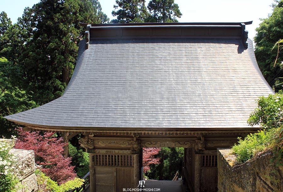sendai-yamagata-temple-yamadera-risshaku-ji-descente-torii-bois