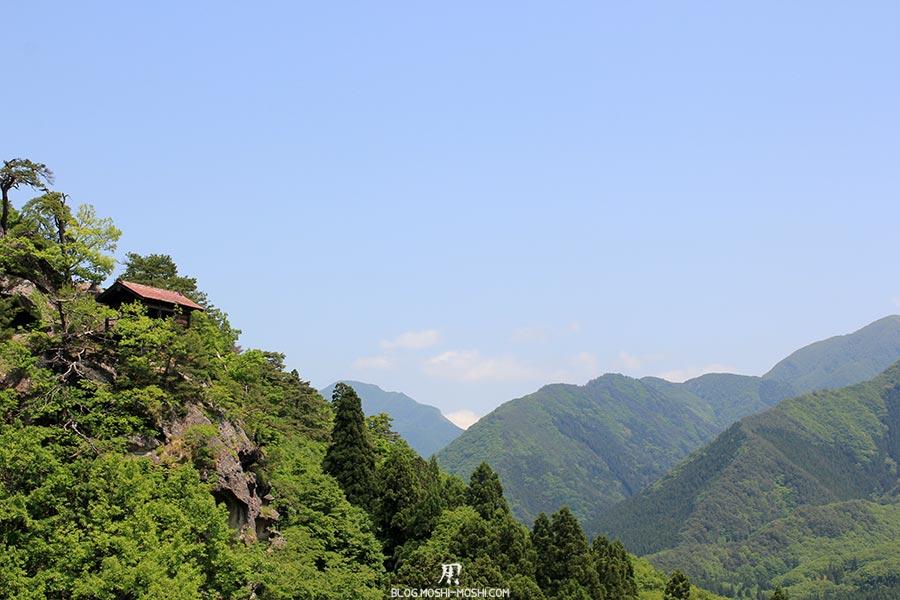 sendai-yamagata-temple-yamadera-risshaku-ji-falaises-montagnes-vallee