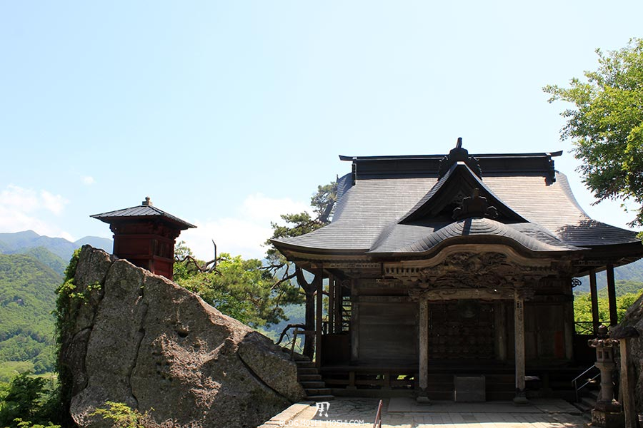 sendai-yamagata-temple-yamadera-risshaku-ji-godaido-pavillon