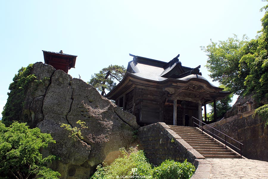 sendai-yamagata-temple-yamadera-risshaku-ji-godaido-rocher-pavillon