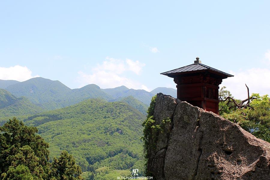 sendai-yamagata-temple-yamadera-risshaku-ji-godaido-sur-son-rocher