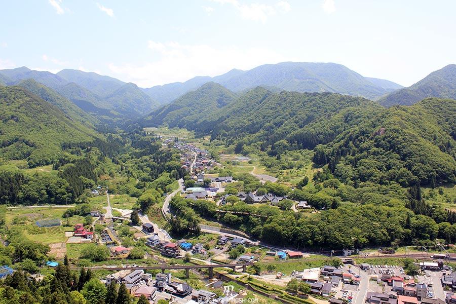 sendai-yamagata-temple-yamadera-risshaku-ji-vue-plongeante-ville-montagnes