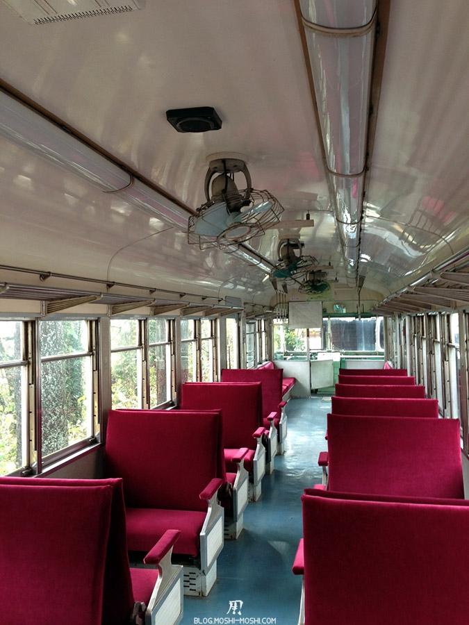 yamanaka-onsen-saison-momiji-ancien-train-expose