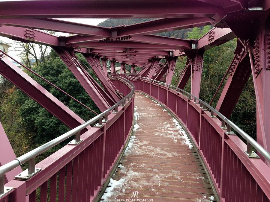 yamanaka-onsen-saison-momiji-pont-Ayatori-design-art-Hiroshi-Teshigawara