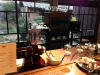 yamaguchi-yuno-cafe-famille-edo-comptoir-service