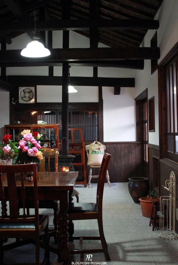 yamaguchi-yuno-cafe-famille-edo-vieil-interieur